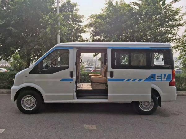 瑞驰EC36新能源汽车